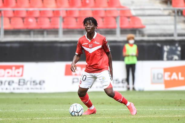 Arsenal interested in signing Valenciennes Youngster Ismael Doukoure 1 Sportelo