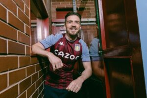 Jack grealish sends message to his fans amid Chelsea and Man city links as he was pictured in villa 2021-2022 kit 1 Sportelo